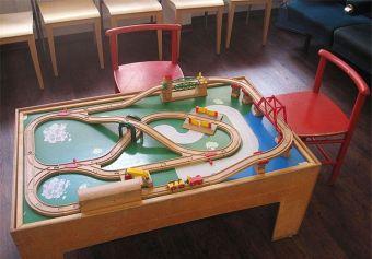 Eine Spieleisenbahn für die Kinder
